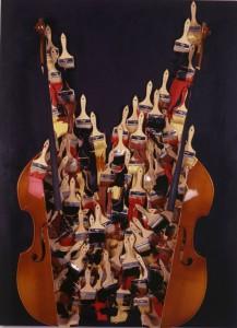 Untitled-2005-Accumulazione-di-pennelli-contrabasso-affettato-e-vernice-acrilica-su-tela-Collezione-Arman-Marital-Trust-Corice-Arman-Trustee-C
